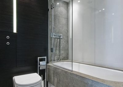 Walled Hinge Bath Screen 1