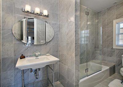 Walled Hinge Bath Screen 2